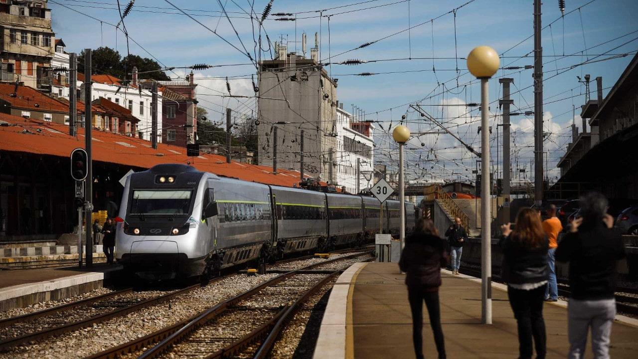 Resultado de imagem para Viajar de Lisboa ao Porto na CP a partir de cinco euros
