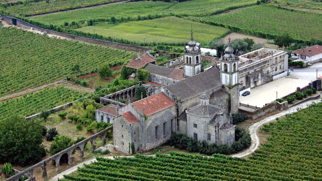 Mosteiro de Santo André de Rendufe