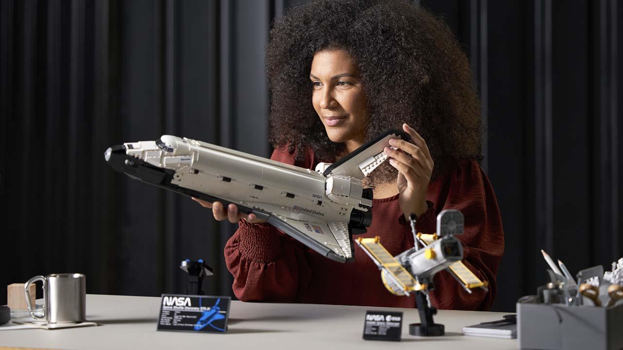LEGO NASA Discovery Space Shuttle
