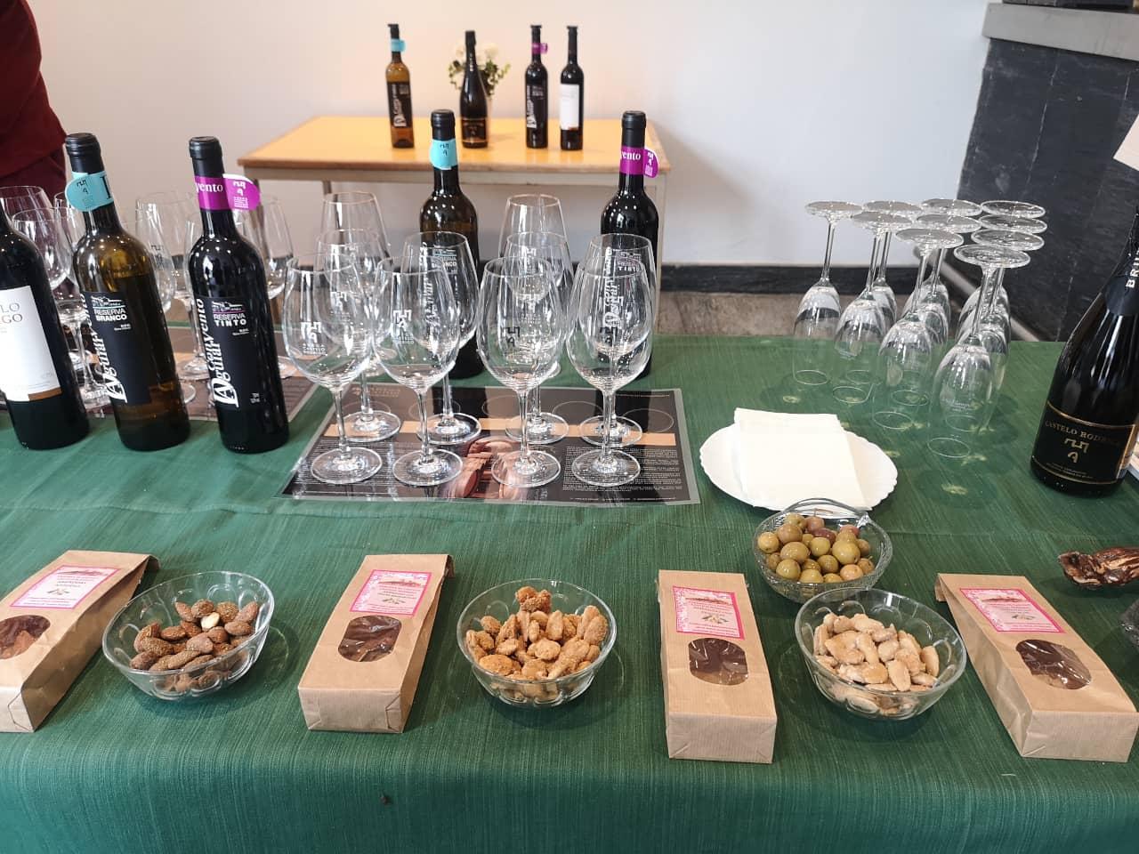 51 Degustacao de vinhos azeite e amendoas