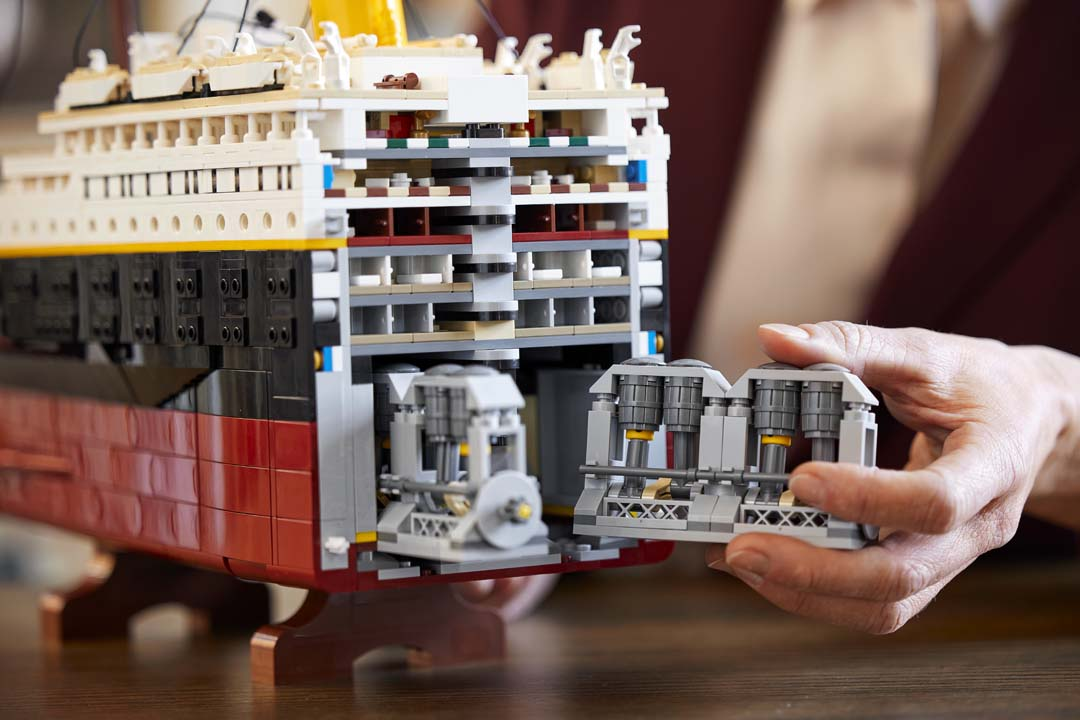 lego titanic 7